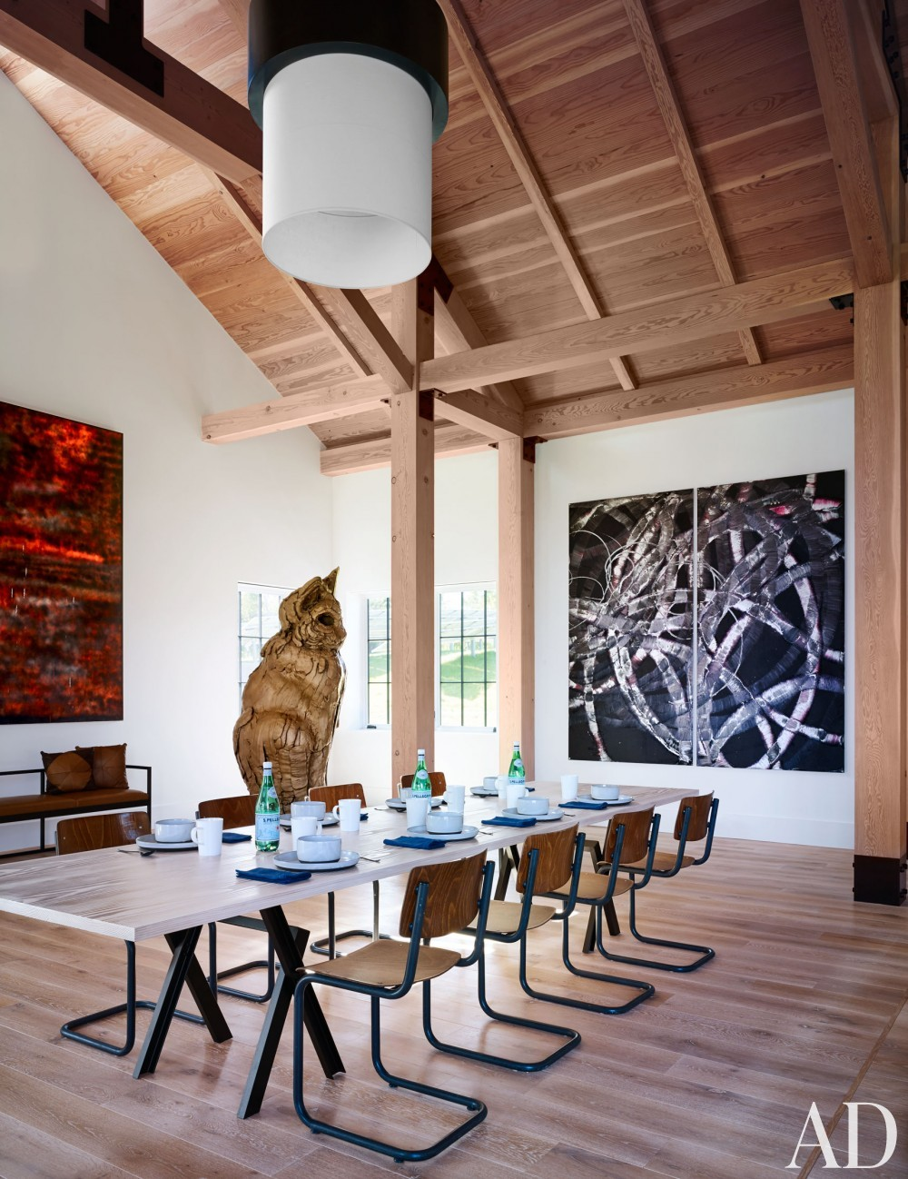 Modern Dining Room by Ashe + Leandro and Ashe + Leandro in Martha\'s Vineyard, MA