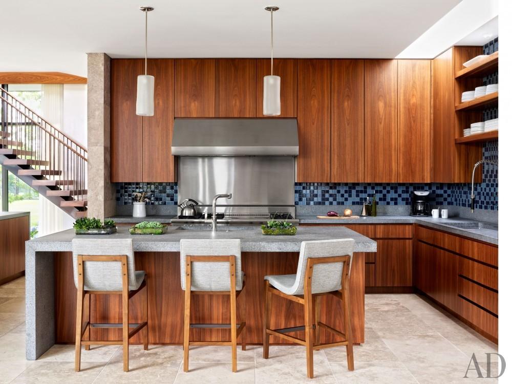 Modern Kitchen by Sawyer | Berson and Randi Puccio in Bridgehampton, NY