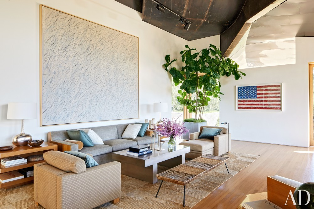 Modern Living Room by Rose Tarlow and Langdon Wilson in Brentwood, CA