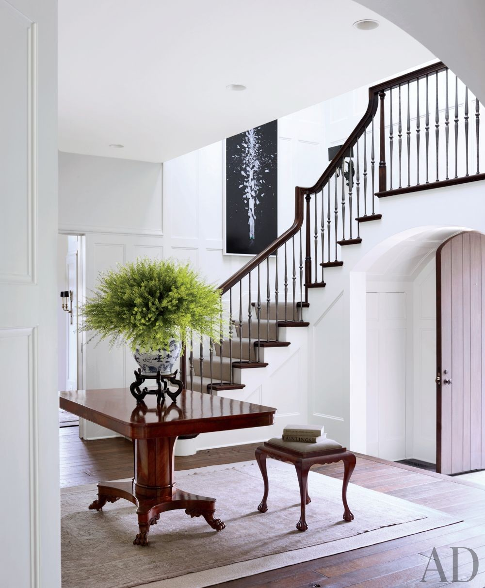 Traditional Entrance Hall by Darryl Carter Inc. and Donald Lococo Architects in Washington, D.C.