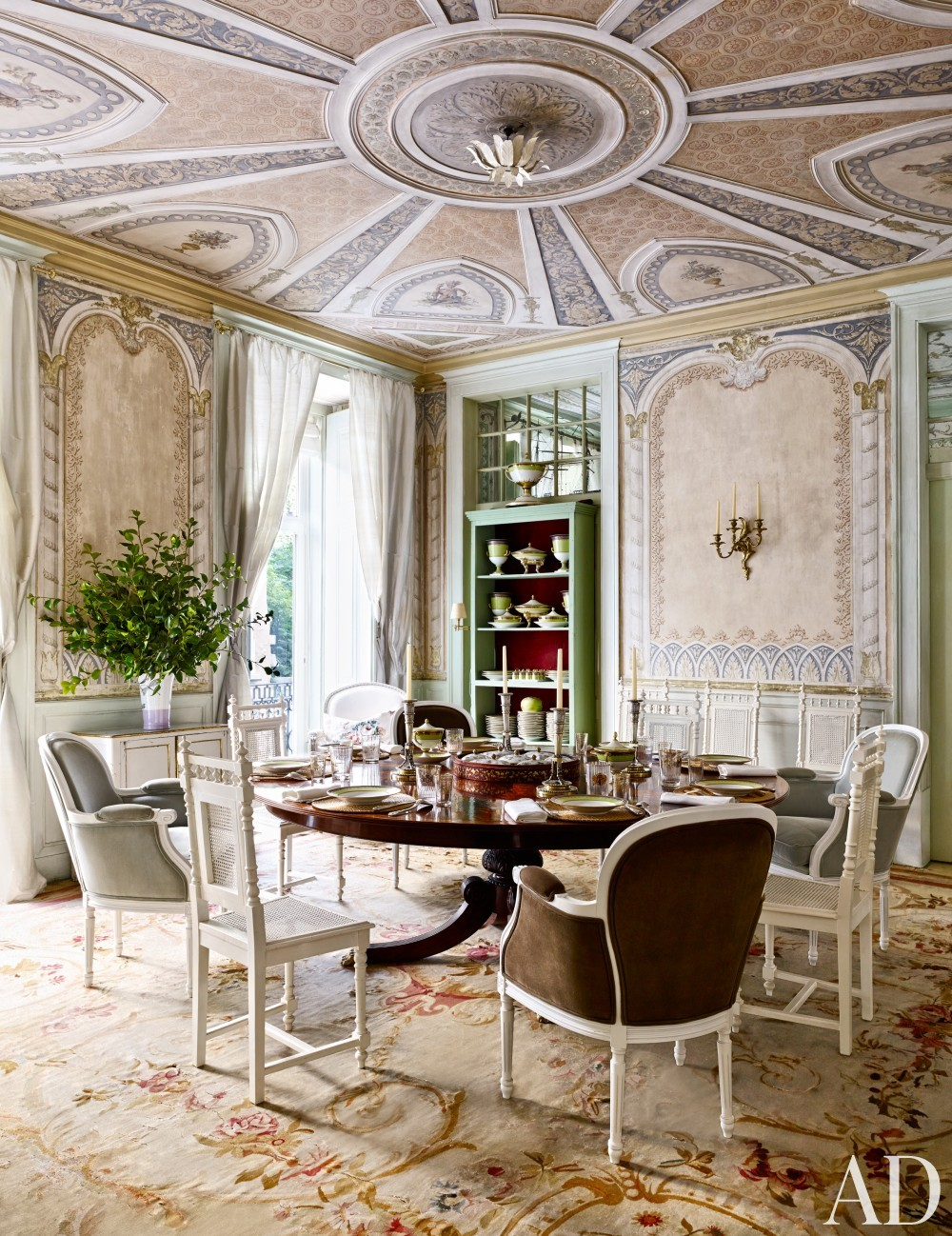 Traditional Dining Room by Pedro Espírito Santo in Lisbon, Portugal