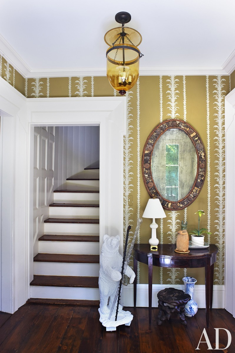 Traditional Staircase/Hallway by Harry Heissmann and Jonathon Parisen in Hudson Valley, NY