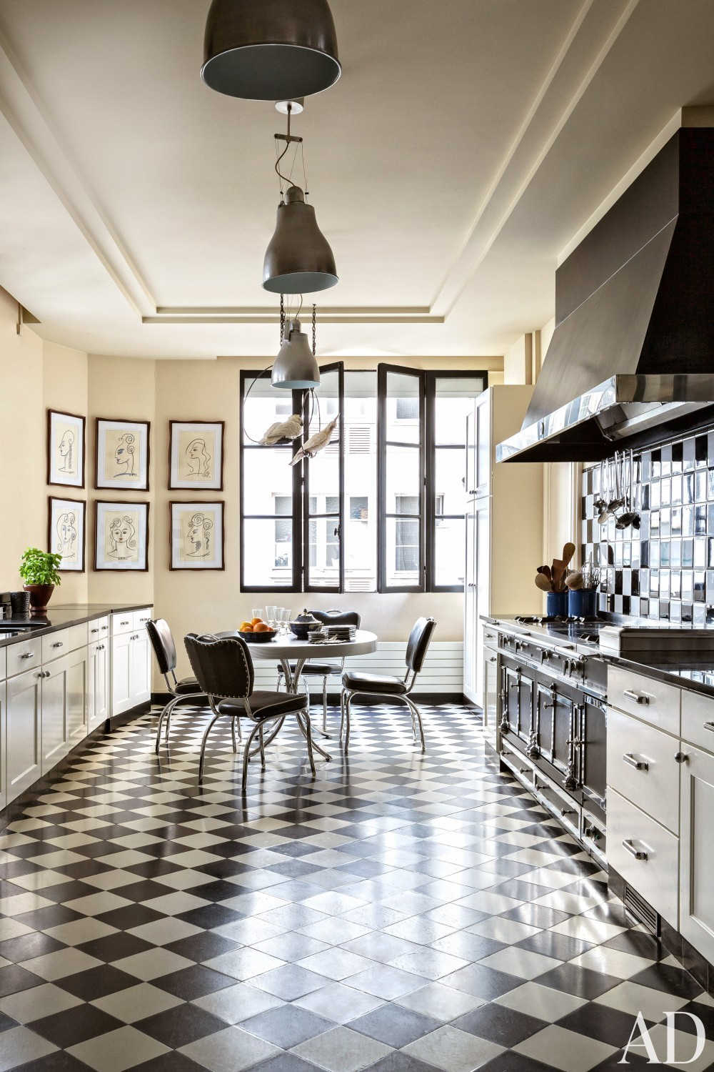 Exotic Kitchen by Linda Pinto in Paris, France