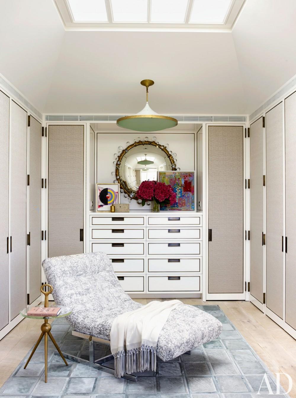 Beach Dressing Room/Closet by Cullman & Cravis and Ike Kligerman Barkley in Sagaponack, NY