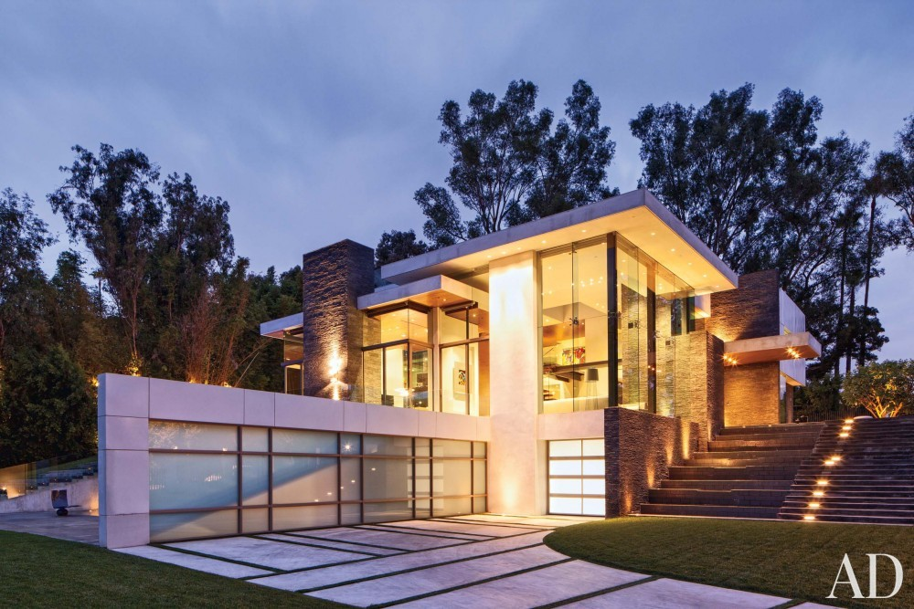 Contemporary Exterior by Tocha Project and Marc Whipple in Beverly Hills, CA