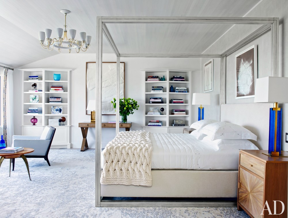 Beach Bedroom by Cullman & Cravis and Ike Kligerman Barkley in Sagaponack, NY