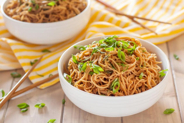 Gluten free sticky garlic noodles by food fanatic for Table 52 gluten free