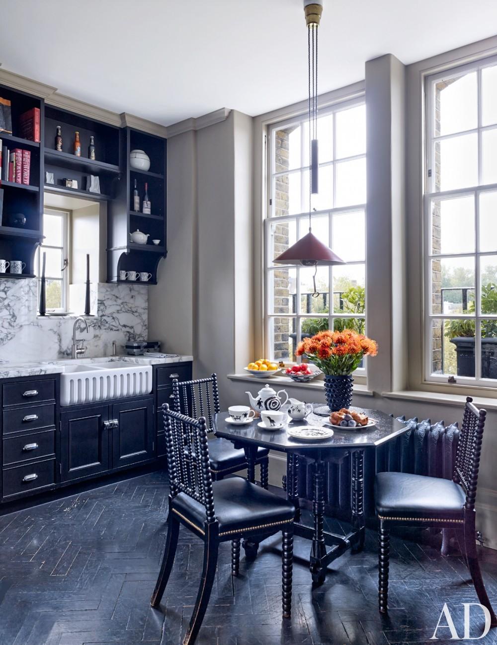 Modern Kitchen by Veere Grenney in London, UK
