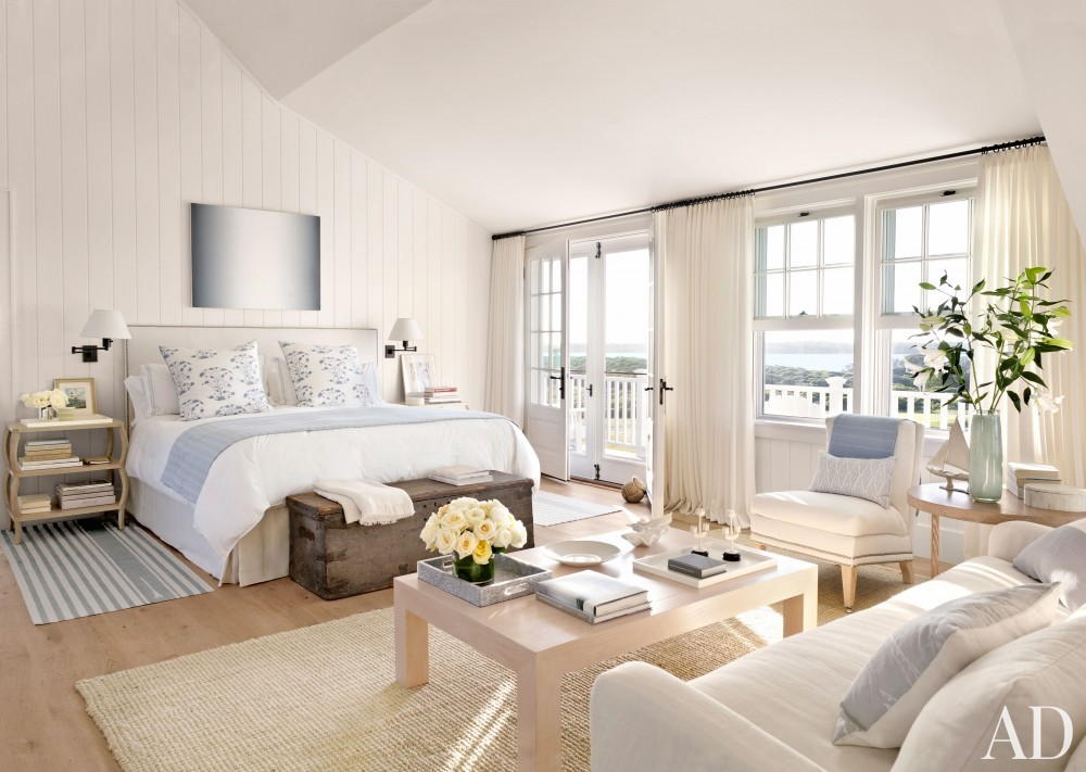Beach Bedroom by Victoria Hagen and Botticelli & Pohl Architects in Nantucket, MA