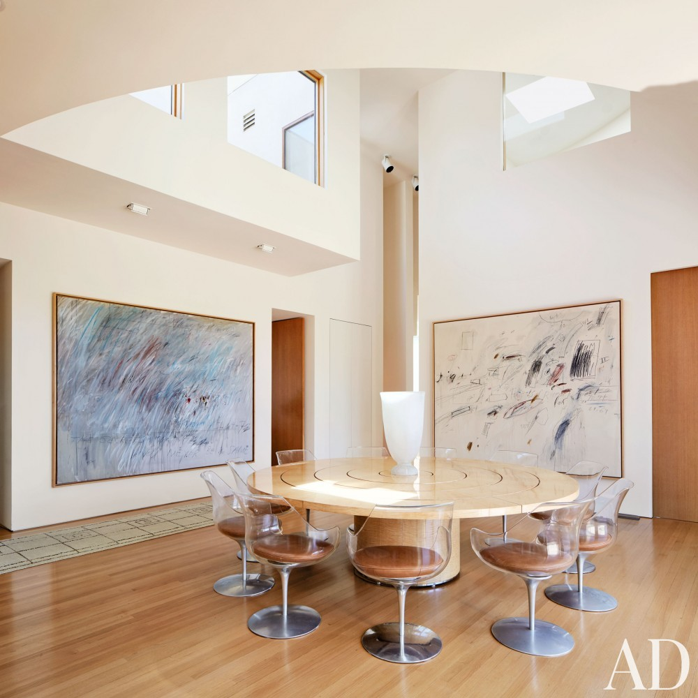 Modern Dining Room by Rose Tarlow and Langdon Wilson in Brentwood, CA