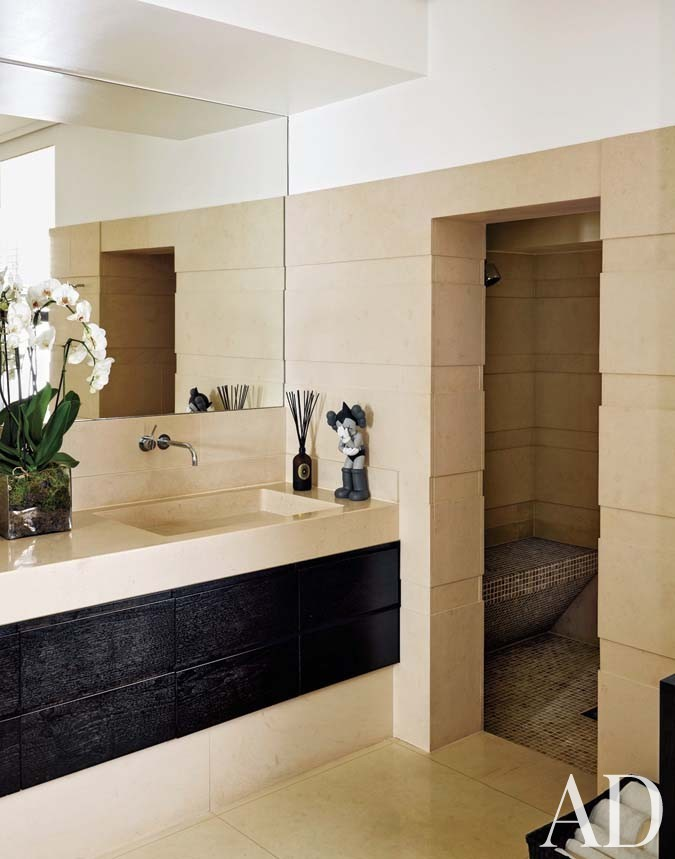 Modern Bathroom by François Catroux and Maha Kutay in London, UK