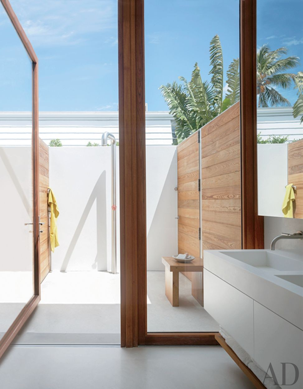 Beach Bathroom by 1100 Architect in Palm Beach, Florida