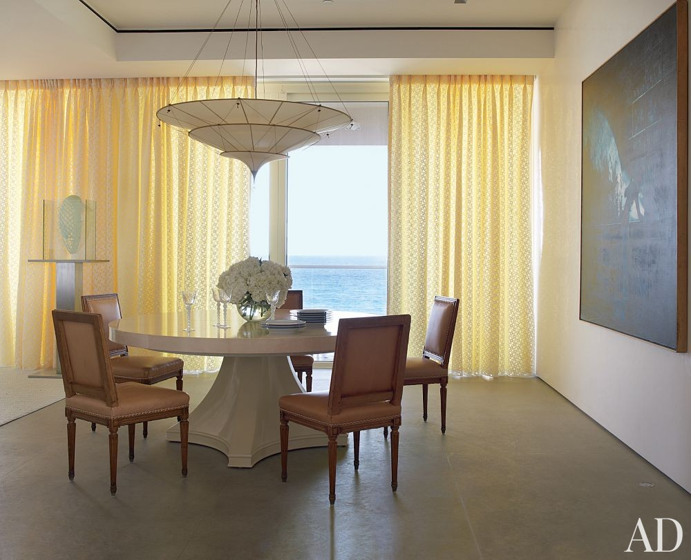Beach Dining Room by Aman & Carson in Palm Beach, Florida