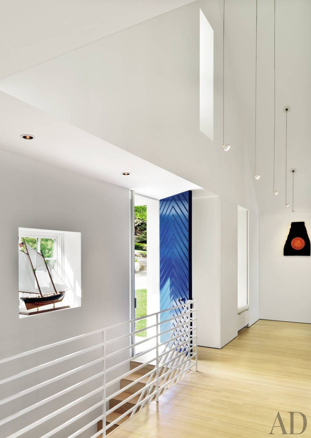 Beach Entrance Hall by Jacobsen Architecture and Jacobsen Architecture in Rockport, Maine