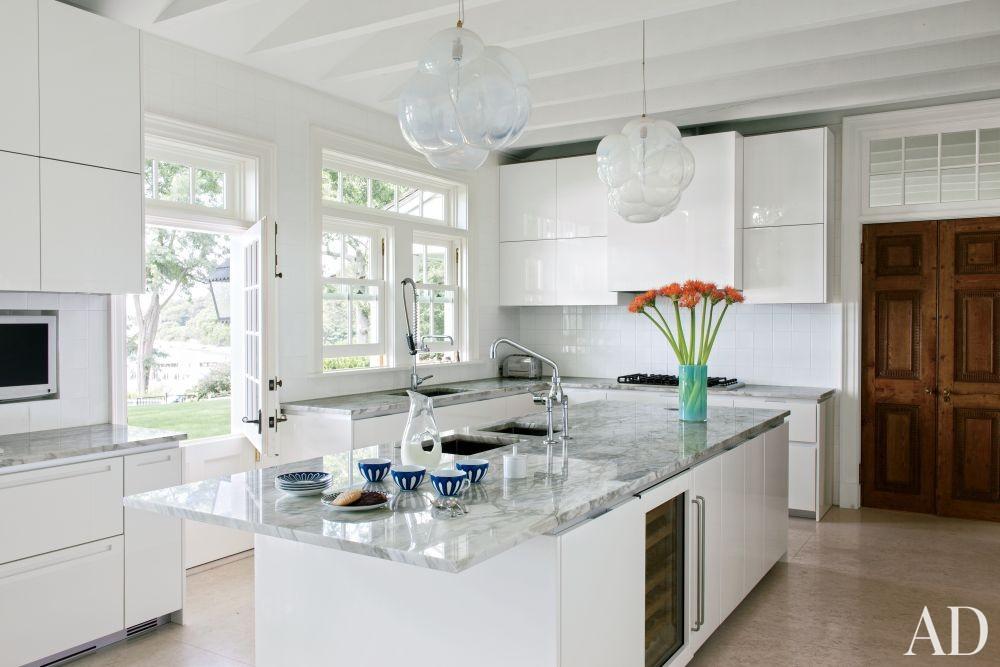 Beach Kitchen by Piccione Architecture & Design and Piccione Architecture & Design in Shelter Island, New York