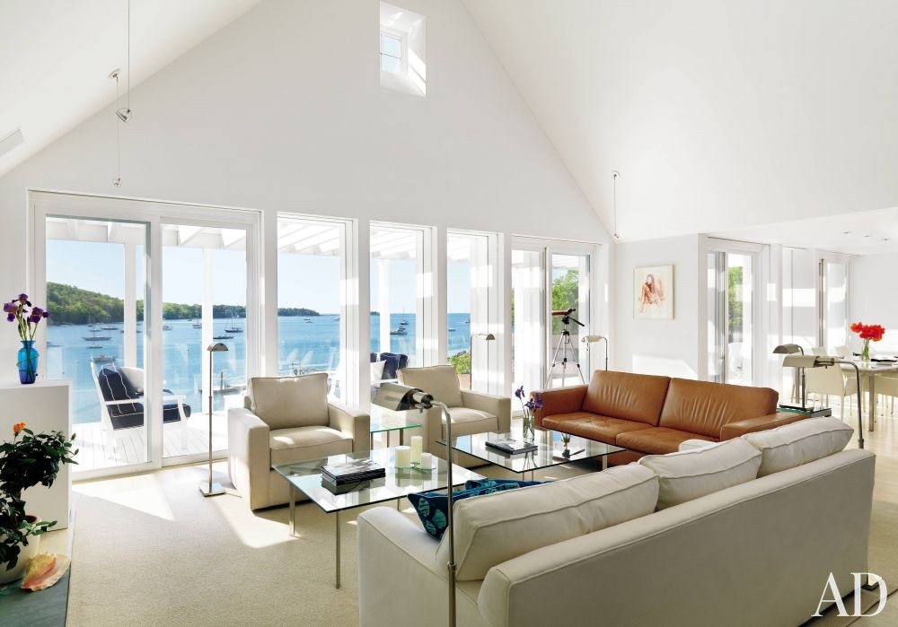 Beach Living Room by Jacobsen Architecture and Jacobsen Architecture in Rockport, Maine