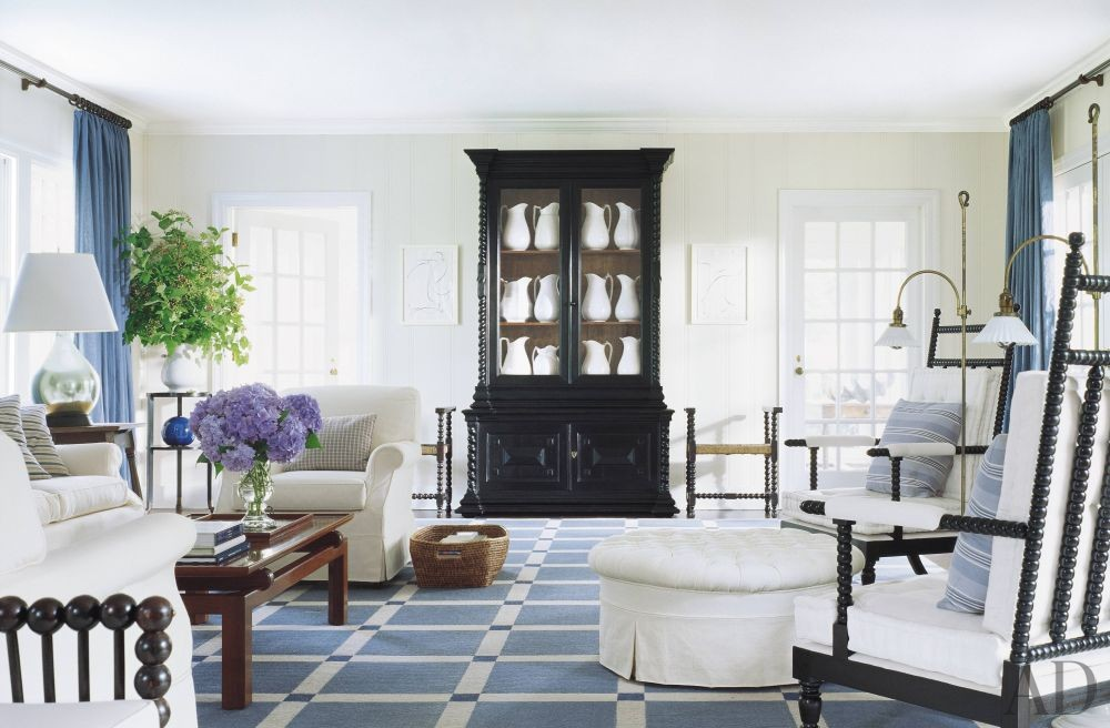 Beach living room by thad hayes by architectural digest for Hamptons living room designs