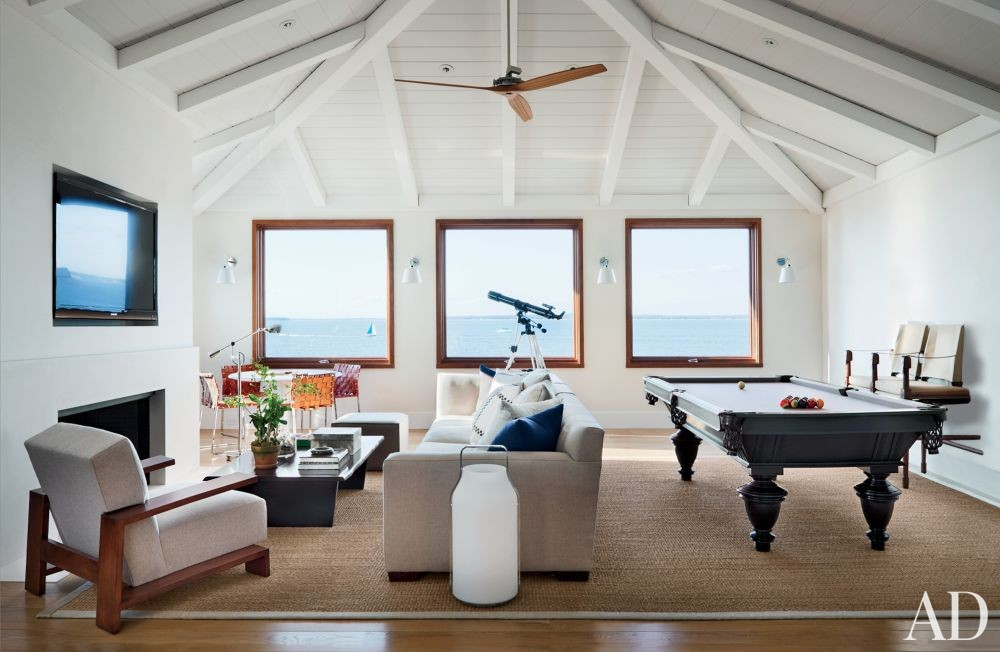 Beach Media/Game Room by Foley & Cox and Frank Greenwald in Sag Harbor, New York