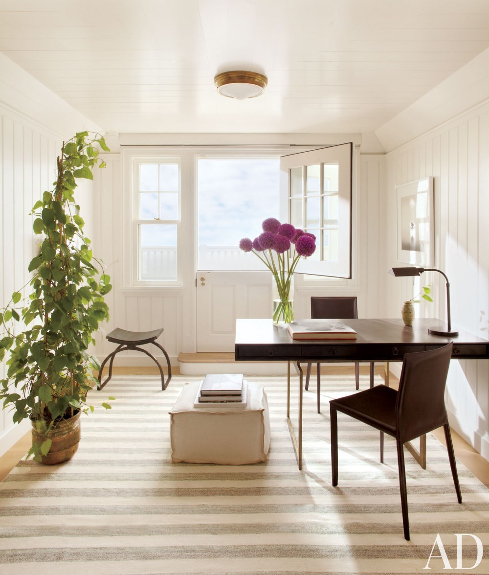 Beach Office/Library by Matthew Patrick Smyth and Peter Pennoyer Architects in The Hamptons