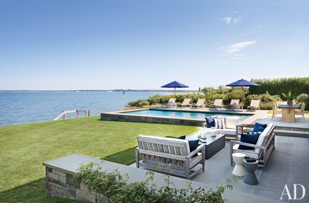 Beach Outdoor Space by Foley & Cox and Frank Greenwald in Sag Harbor, New York
