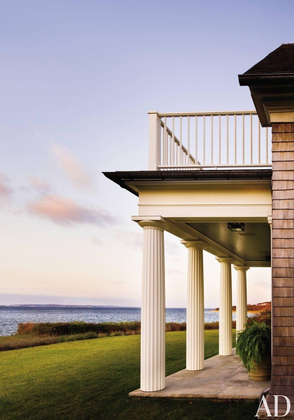Beach Outdoor Space by Victoria Hagan Interiors and Ferguson & Shamamian Architects in Martha\'s Vineyard, Massachusetts