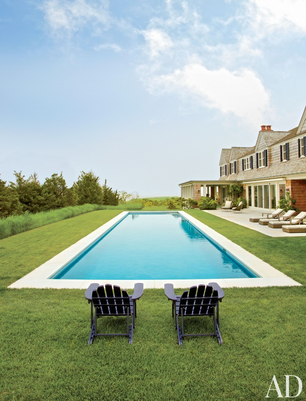 Beach Pool by Matthew Patrick Smyth and Peter Pennoyer Architects in The Hamptons