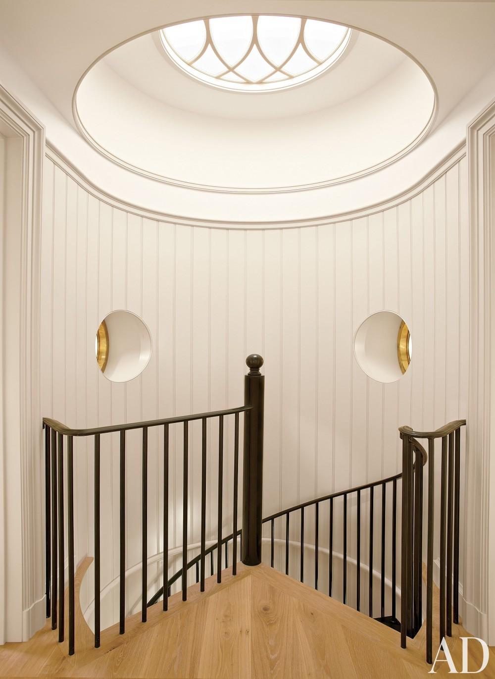 Beach Staircase/Hallway by Matthew Patrick Smyth and Peter Pennoyer Architects in The Hamptons