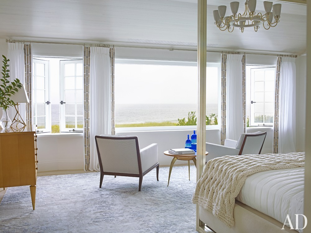 Beach Bedroom by Cullman & Cravis and Ike Kligerman Barkley in Sagaponack, NY