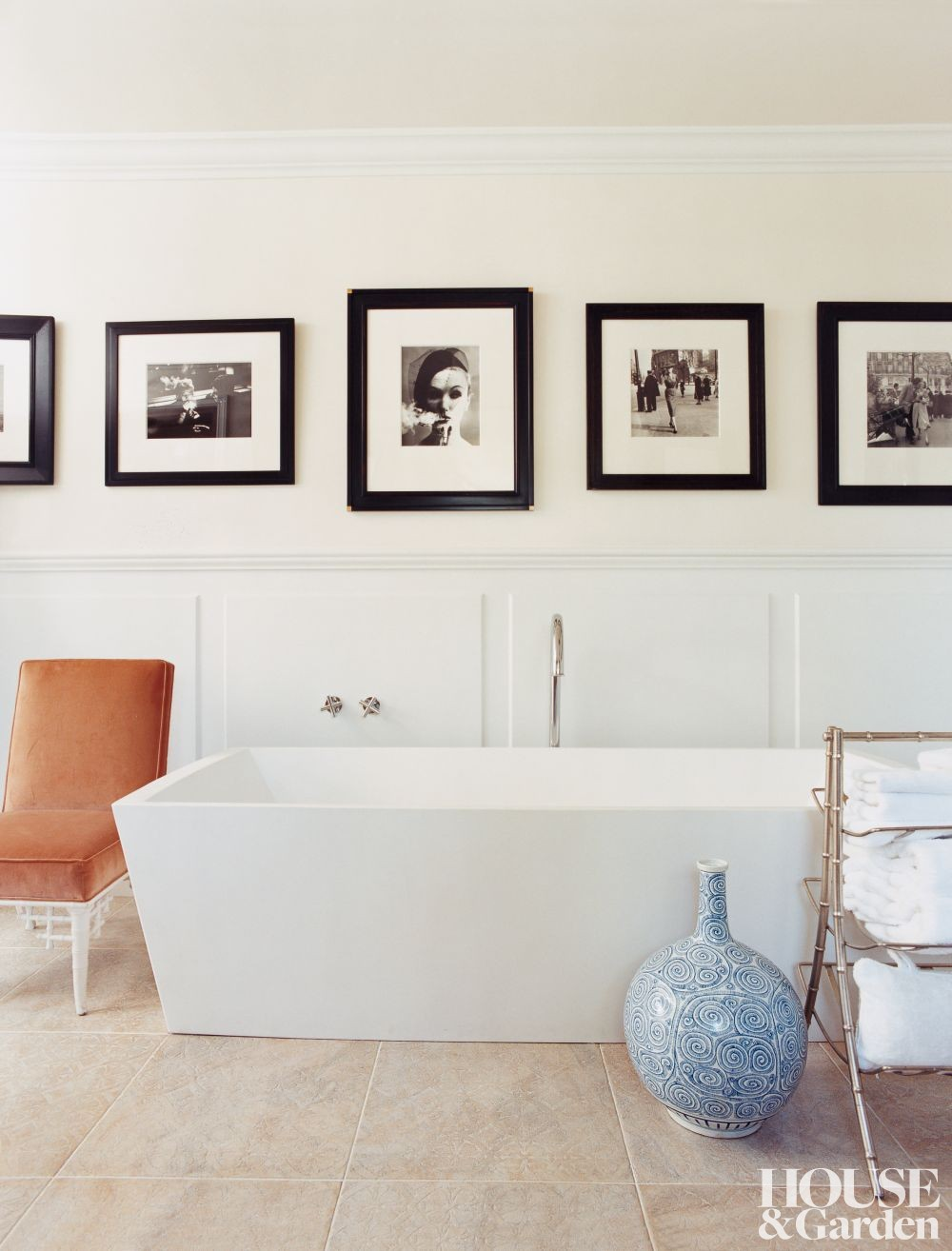 Contemporary Bathroom By Kim Alexandriuk Interior Design By Architectural Digest Ad Designfile