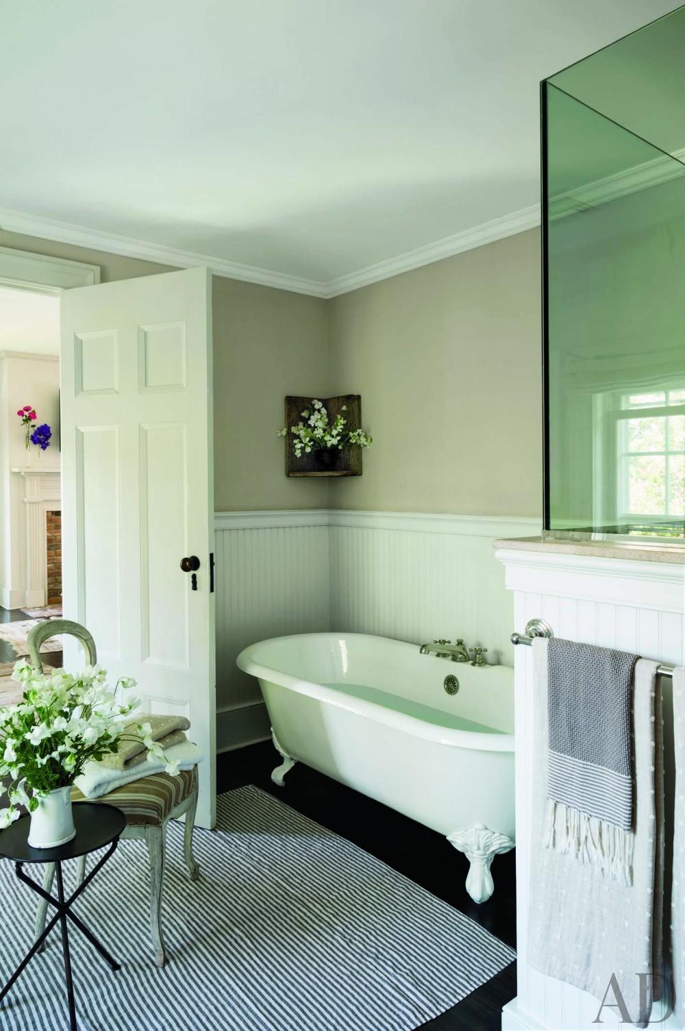 Contemporary Bathroom by Rebecca Bond in Bridgehampton, New York
