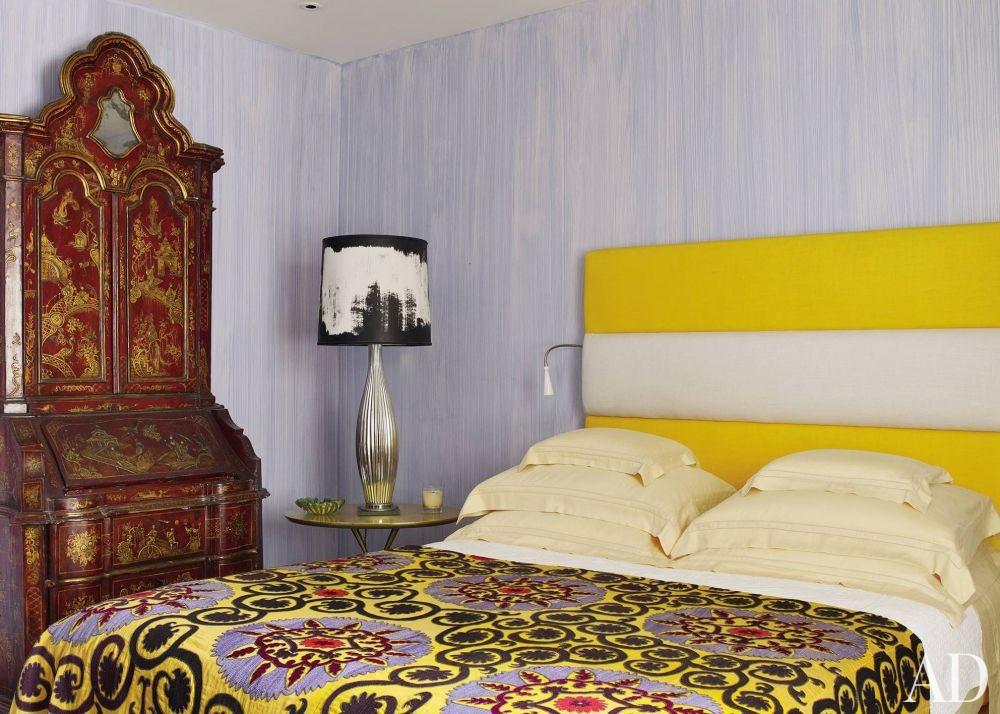 Contemporary Bedroom by Alberto Pinto and Bernardes + Jacobsen Arquitectura in Rio de Janeiro, Brazil