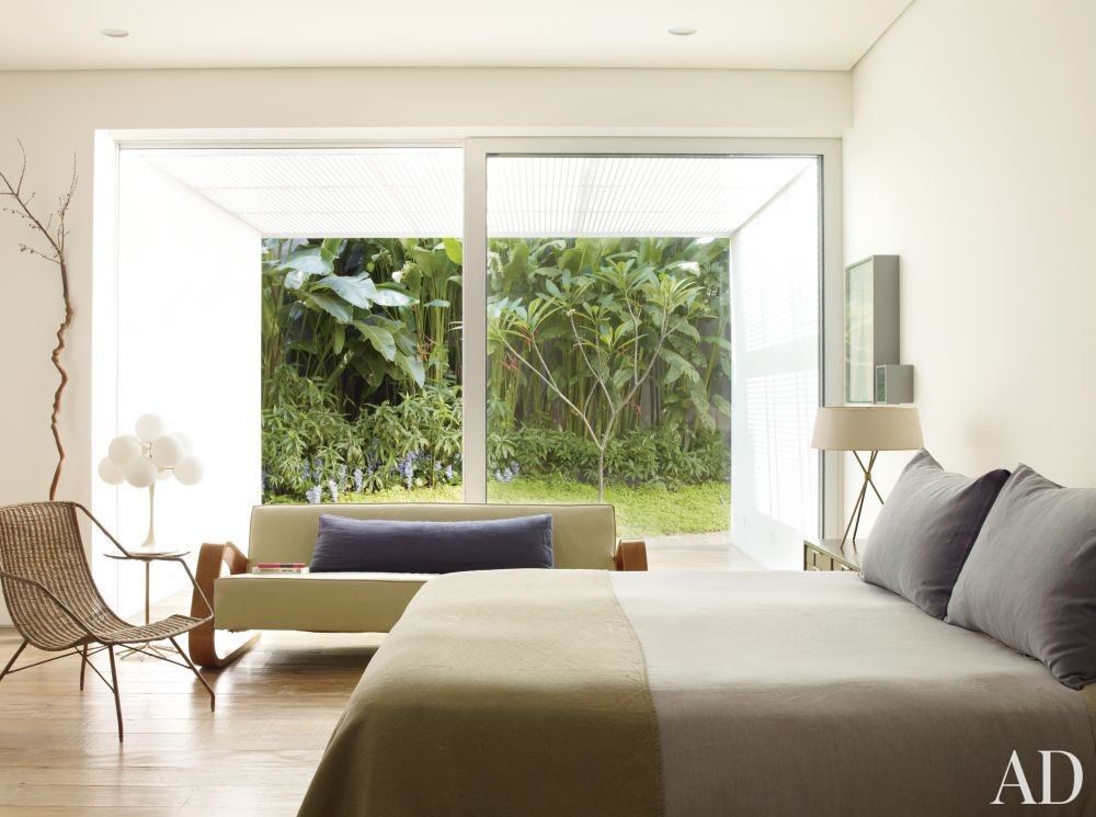 Contemporary Bedroom by Isay Weinfeld in São Paulo, Brazil