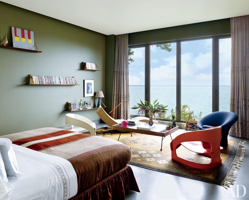 Contemporary Bedroom by Muriel Brandolini and Raffaella Bortoluzzi in Hampton Bays, New York