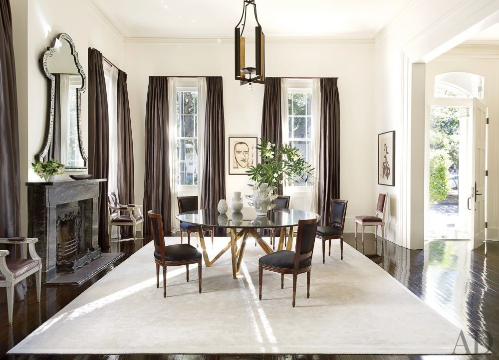 Contemporary Dining Room by Lee Ledbetter & Associates in New Orleans, Louisiana