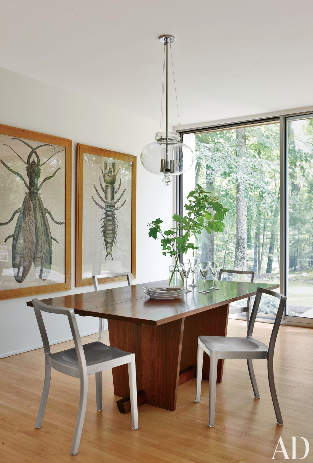 Contemporary Dining Room by Michael Formica Inc. in New Canaan, Connecticut