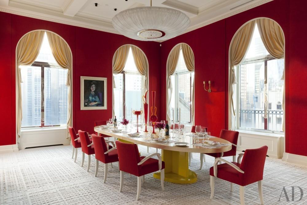 Contemporary Dining Room by Roger Thomas, Wynn Design & Development in New York, New York