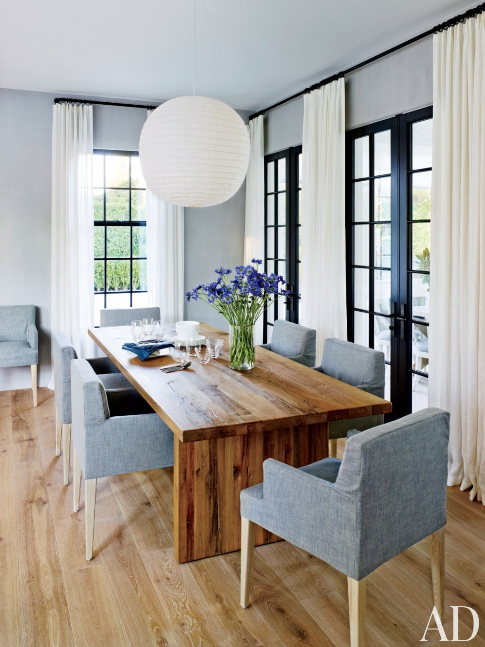 Contemporary Dining Room by Sawyer | Berson and Sawyer | Berson in Southampton, NY