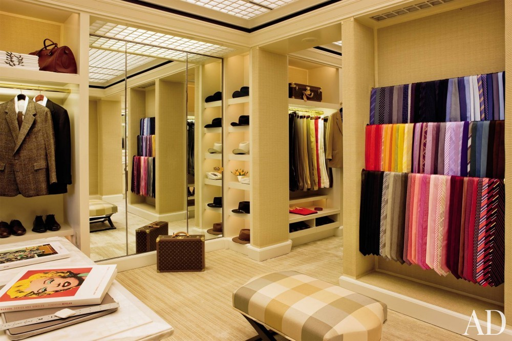 Contemporary Dressing Room/Closet by Roger Thomas and Butler Ashworth Architects in Las Vegas