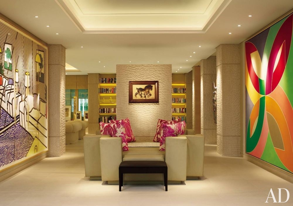 Contemporary Entrance Hall by Betty Garber & Richard Farnell in Singapore