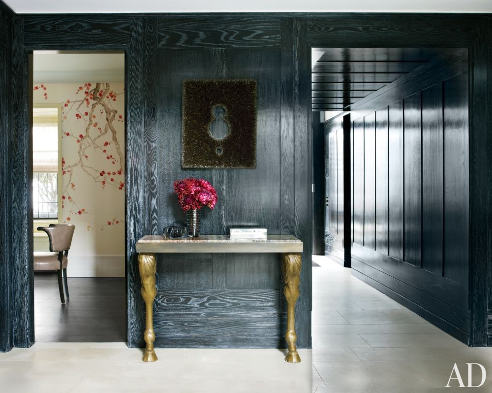 Contemporary Entrance Hall by Rafael de Cárdenas Ltd./Architecture at Large in London, England