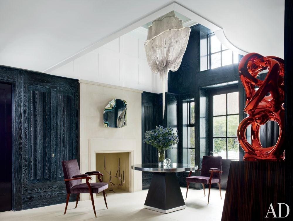 Contemporary Entrance Hall by Rafael de Cárdenas Ltd./Architecture at Large in London, England