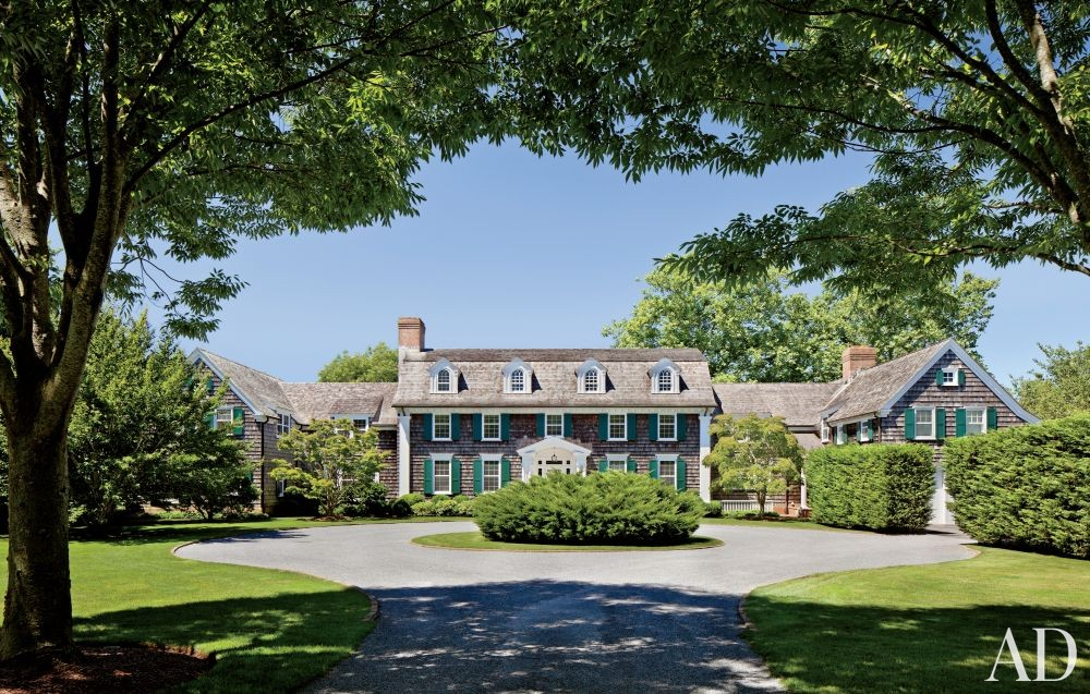 Traditional Exterior by Shelton, Mindel & Associates and Robert A.M Stern in East Hampton, New York