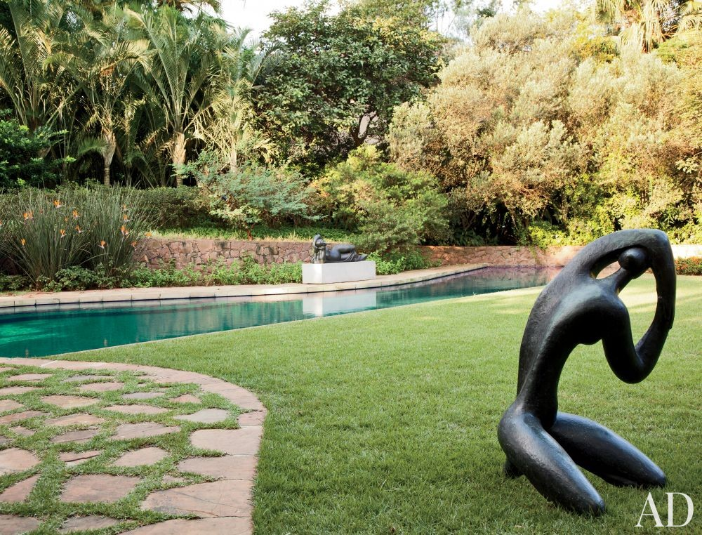 Contemporary Garden by Sig Bergamin Arquitetura in São Paulo, Brazil