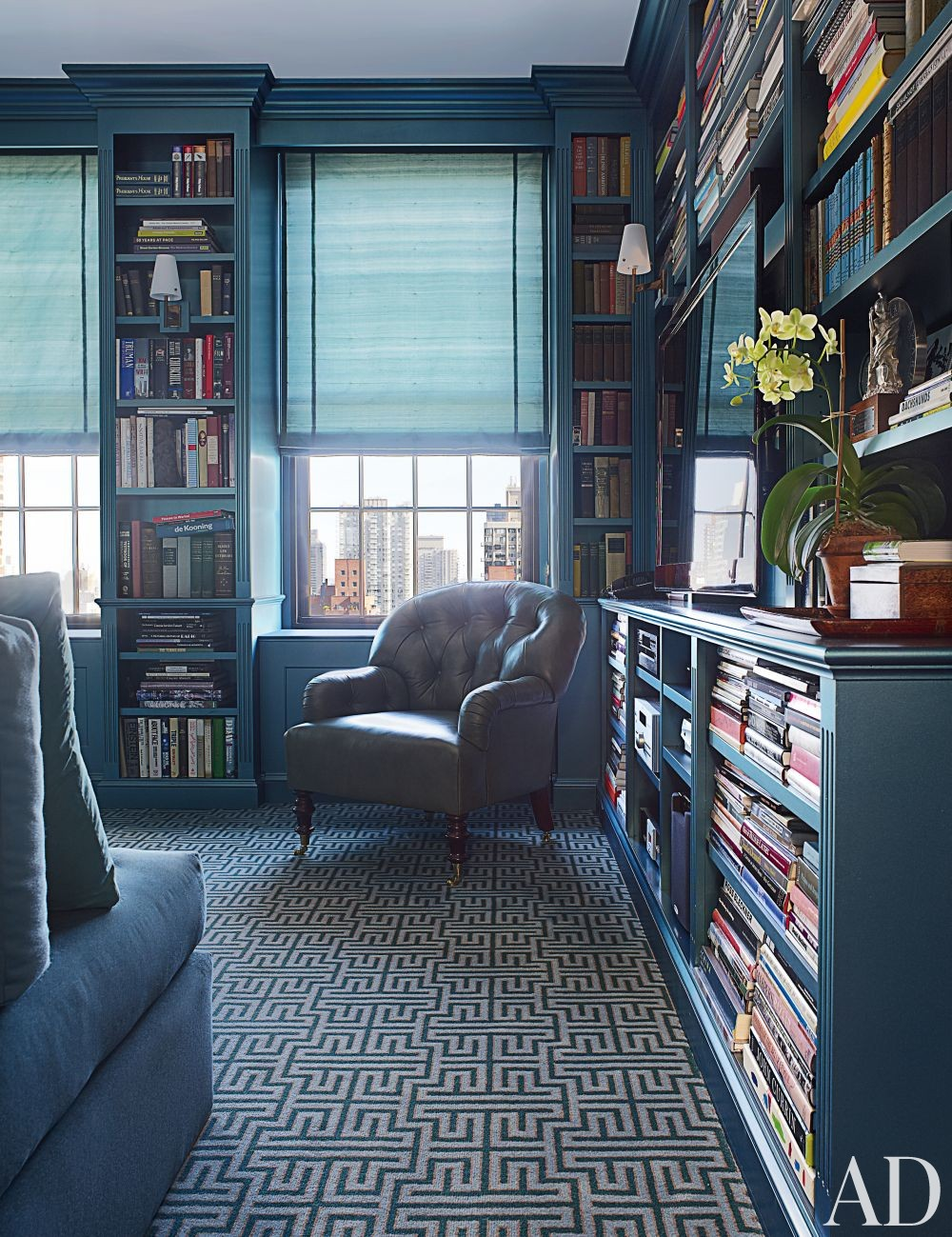 Contemporary Office/Library by Vicente Wolf in New York, New York