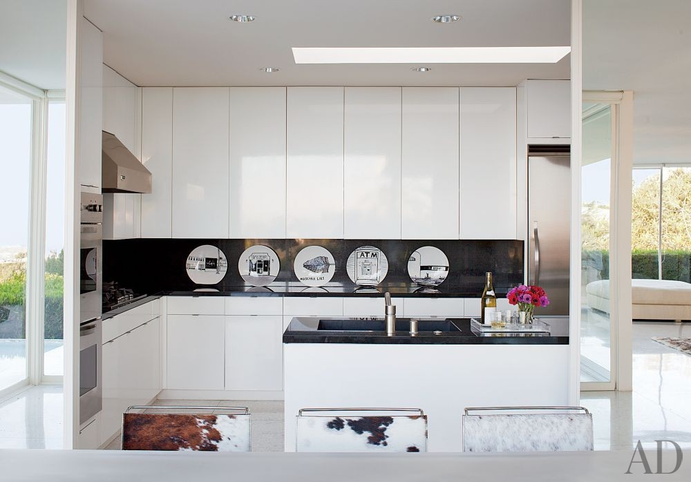 Contemporary Kitchen by Daniel Romualdez in Los Angeles, California