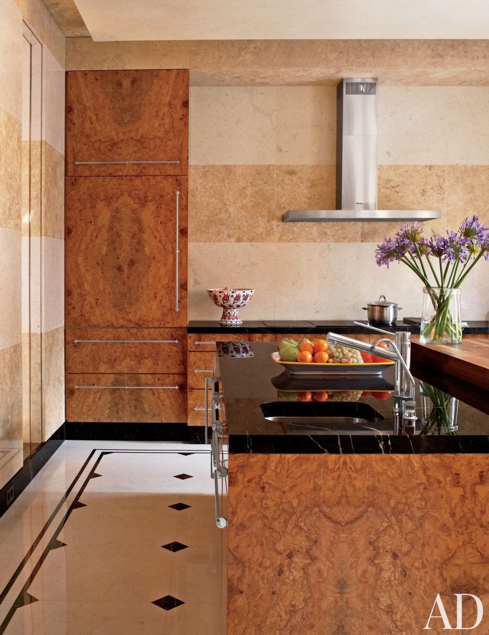 Contemporary Kitchen by Gabhan O\'Keeffe in Moscow, Russia