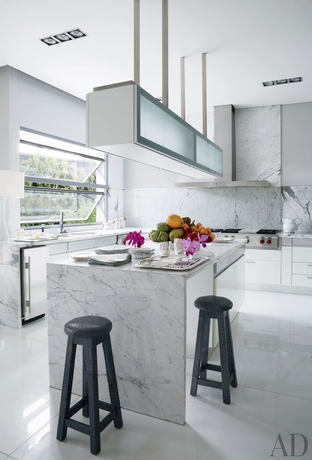 Contemporary Kitchen by Jean-Louis Deniot and Jean-Louis Deniot in Colombia