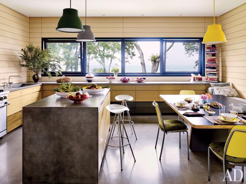 Contemporary Kitchen by Muriel Brandolini and Raffaella Bortoluzzi in Hampton Bays, New York