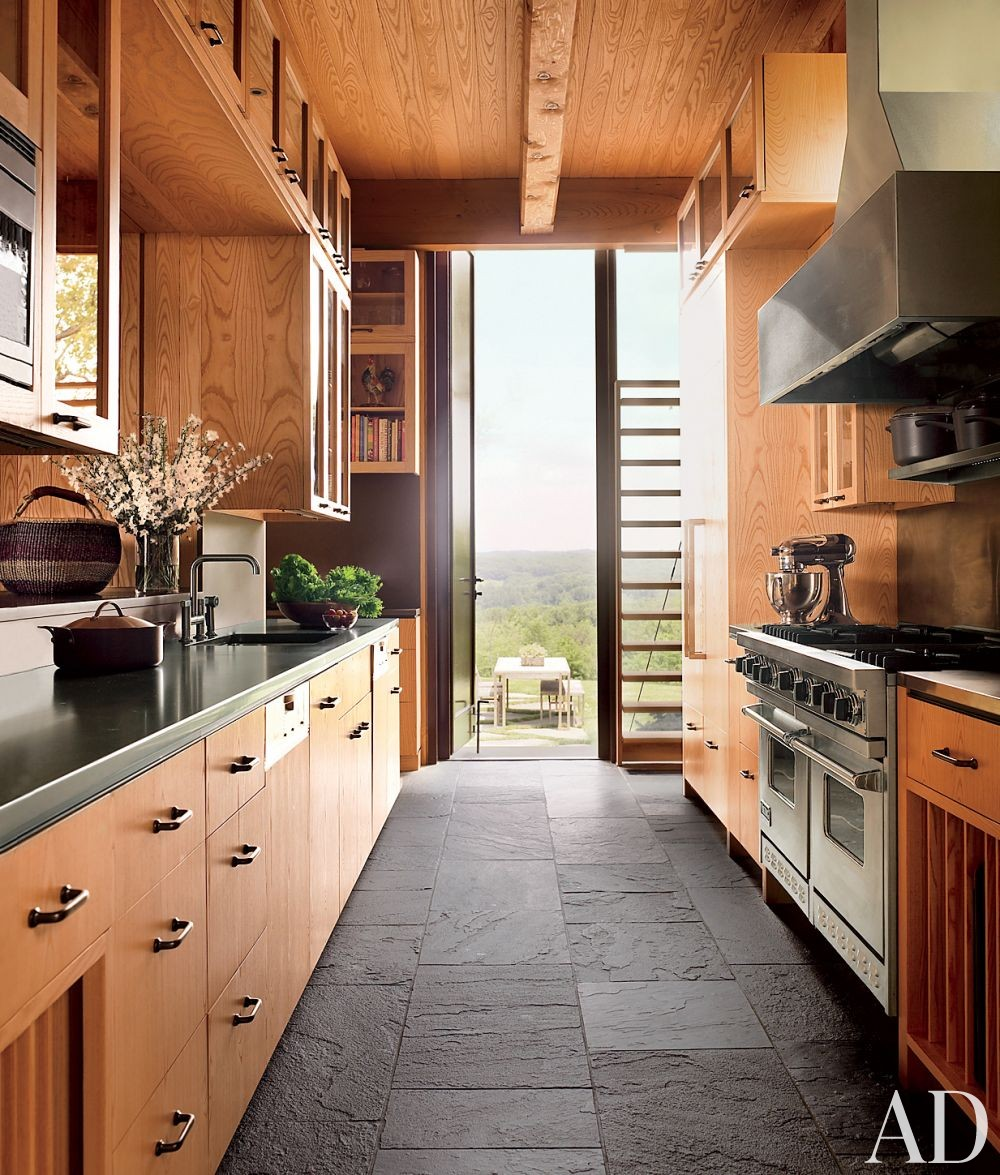 Contemporary Kitchen by Ike Kligerman Barkley Architects in Hudson Valley, New York