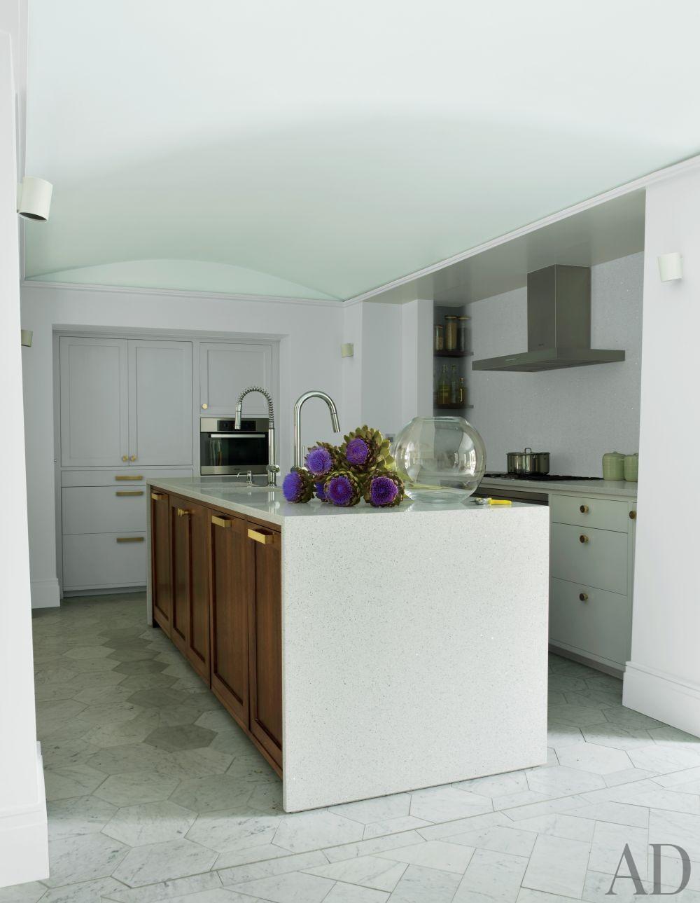 Contemporary Kitchen by Rafael de Cárdenas Ltd./Architecture at Large in London, England